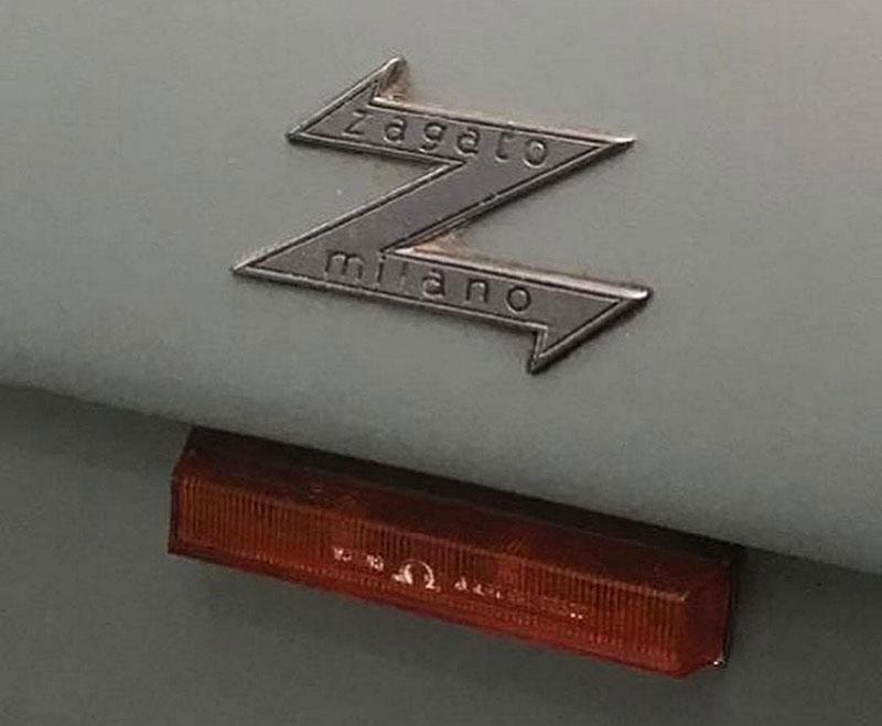 Opuštěná Alfa Romeo, která se našla po 35 letech, se prodala v dražbě. A vážně ne levně: - fotka 8
