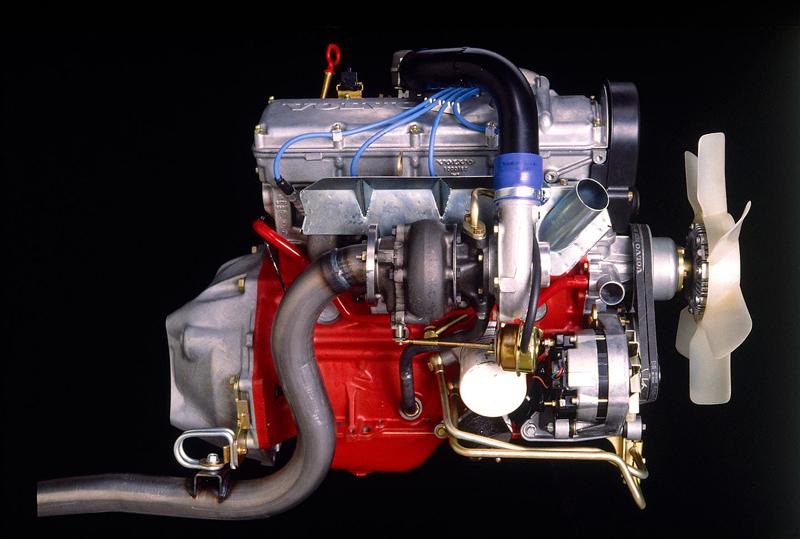 Pod lupou: Volvo 240 Turbo na závodní dráze: - fotka 1