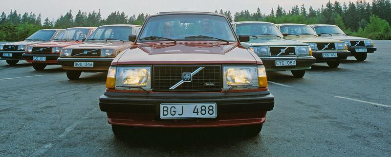 Pod lupou: Volvo 240 Turbo na závodní dráze: - fotka 2