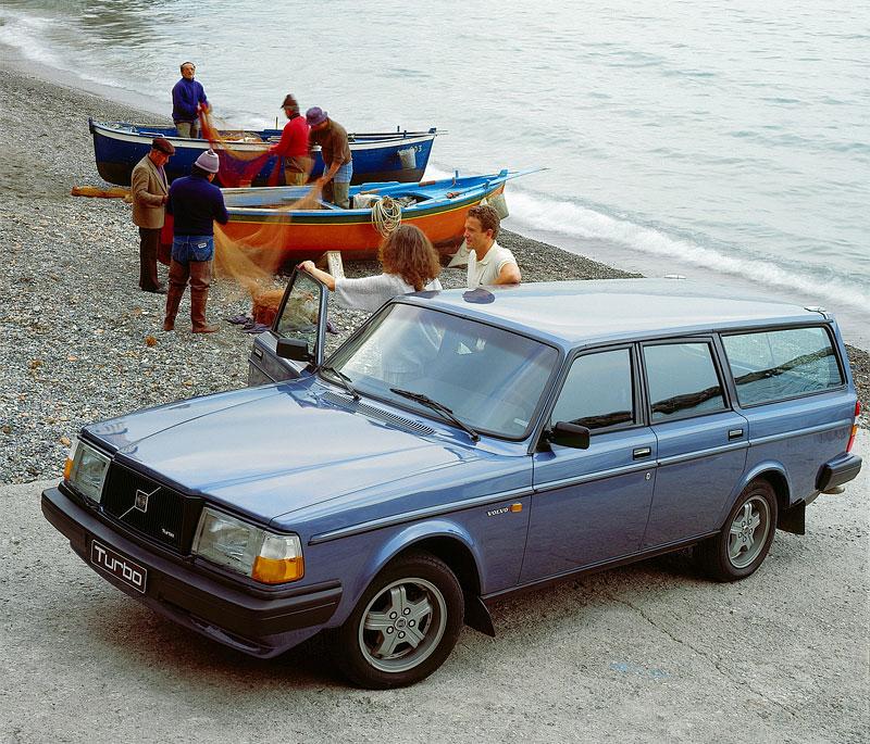 Pod lupou: Volvo 240 Turbo na závodní dráze: - fotka 4