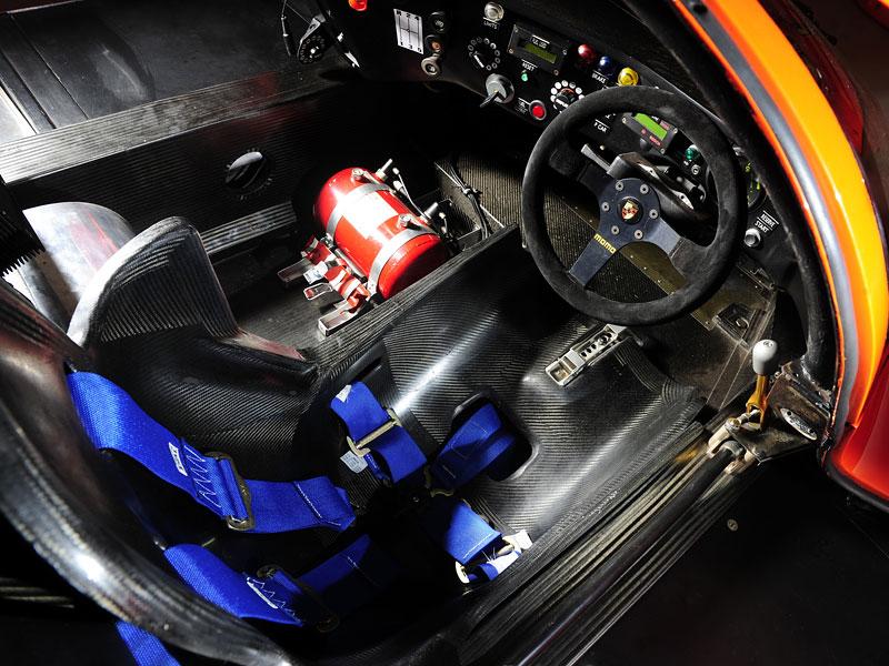 Pod lupou: Porsche 956 a 962 - Z Le Mans na silnice a zase zpátky: - fotka 20