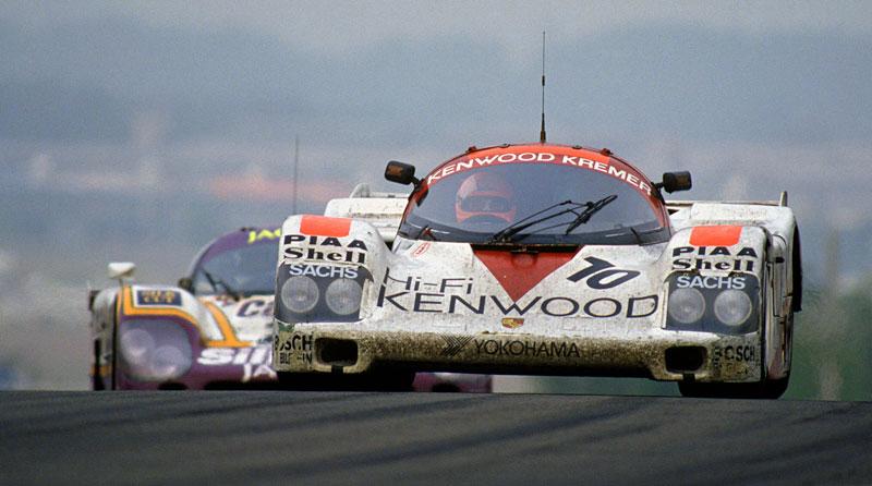Pod lupou: Porsche 956 a 962 - Z Le Mans na silnice a zase zpátky: - fotka 25