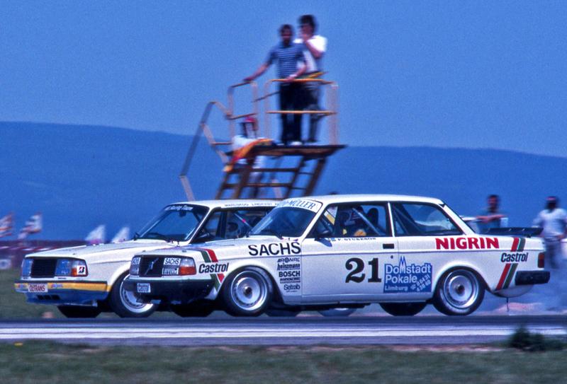Pod lupou: Volvo 240 Turbo na závodní dráze: - fotka 5