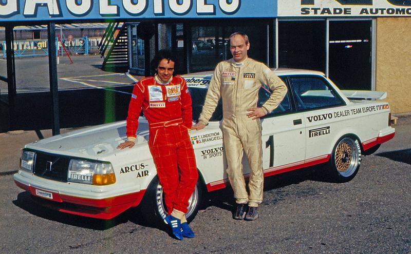 Pod lupou: Volvo 240 Turbo na závodní dráze: - fotka 8