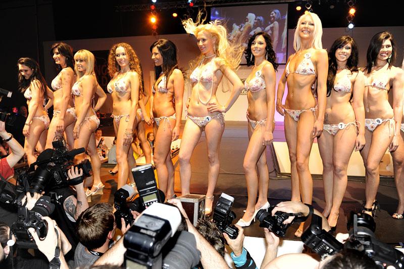 Jak se fotil kalendář Miss Tuning 2010: - fotka 16