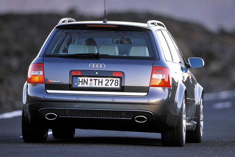 Pod lupou: Audi RS 6: - fotka 21