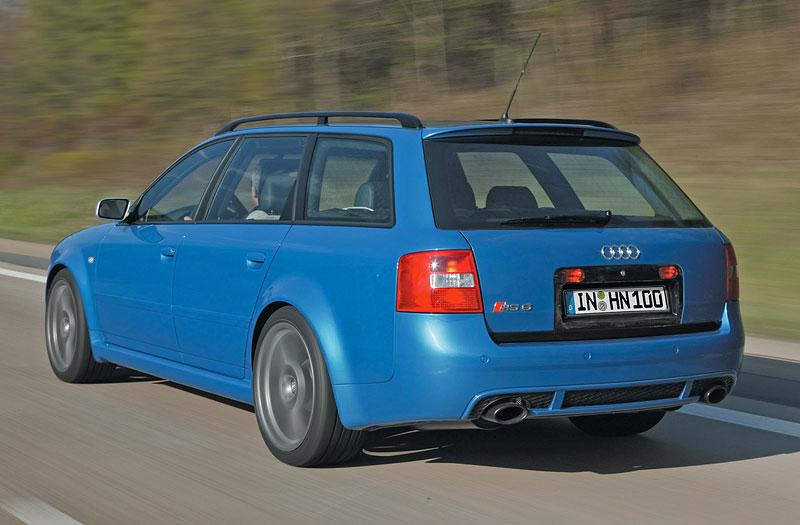 Pod lupou: Audi RS 6: - fotka 33