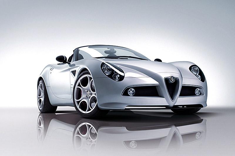 Pod lupou: Alfa Romeo 8C – včera a dnes: - fotka 26