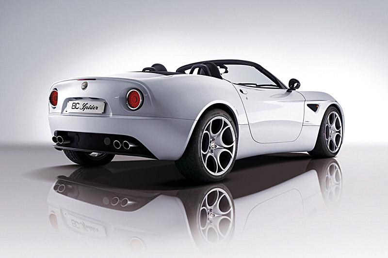 Pod lupou: Alfa Romeo 8C – včera a dnes: - fotka 27