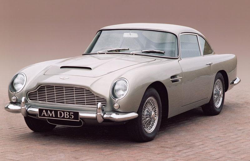 Aston Martin DB5 po Jamesi Bondovi míří do aukce: - fotka 12