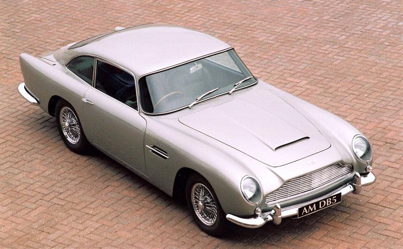 Aston Martin DB5 po Jamesi Bondovi míří do aukce: - fotka 13