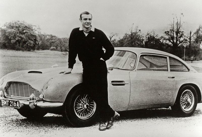 Aston Martin DB5 po Jamesi Bondovi míří do aukce: - fotka 14