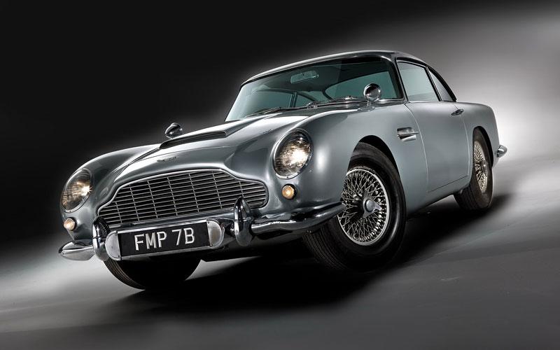 Aston Martin DB5 po Jamesi Bondovi míří do aukce: - fotka 15