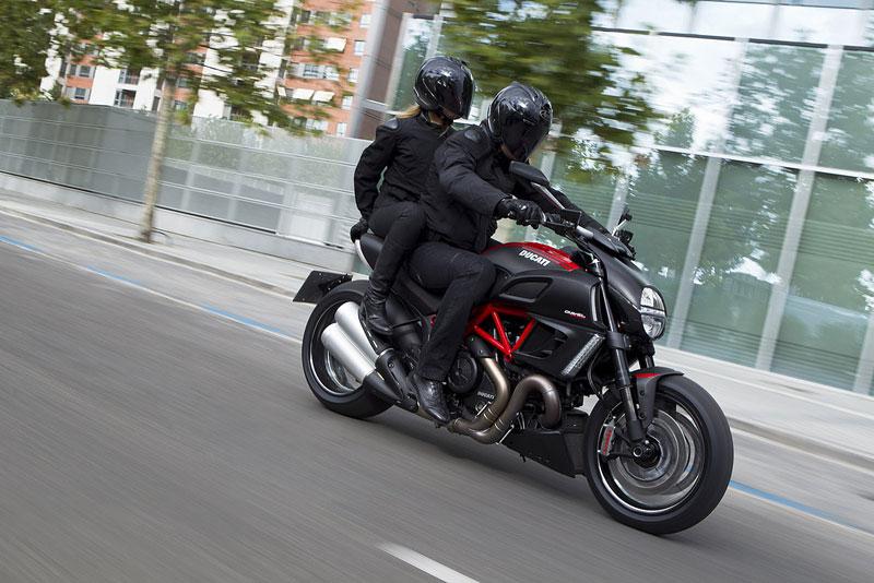 Oficiální představení Ducati Diavel: - fotka 58
