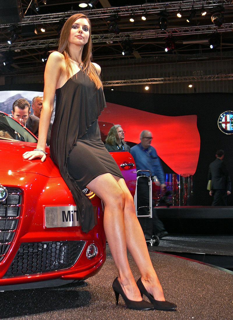 Pařížské modelky do třetice všeho dobrého: - fotka 3