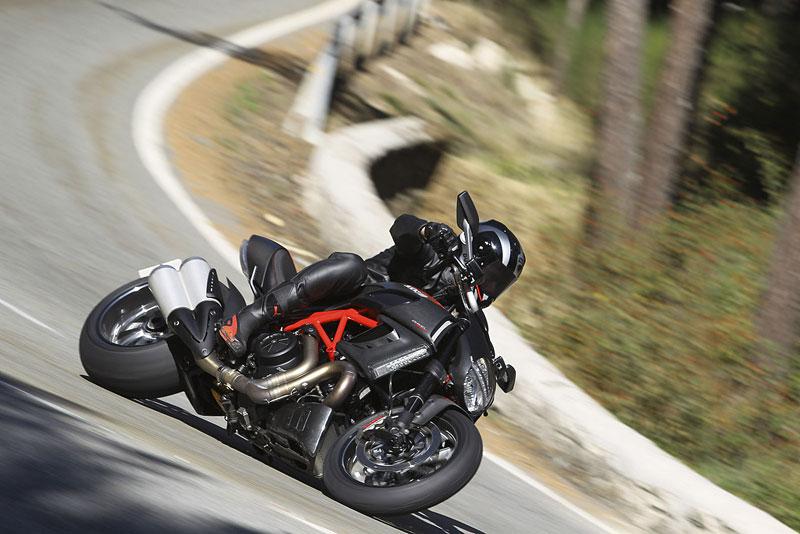 Oficiální představení Ducati Diavel: - fotka 60