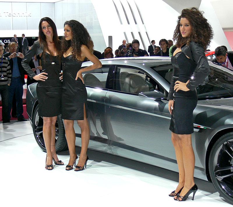 Pařížské modelky do třetice všeho dobrého: - fotka 26