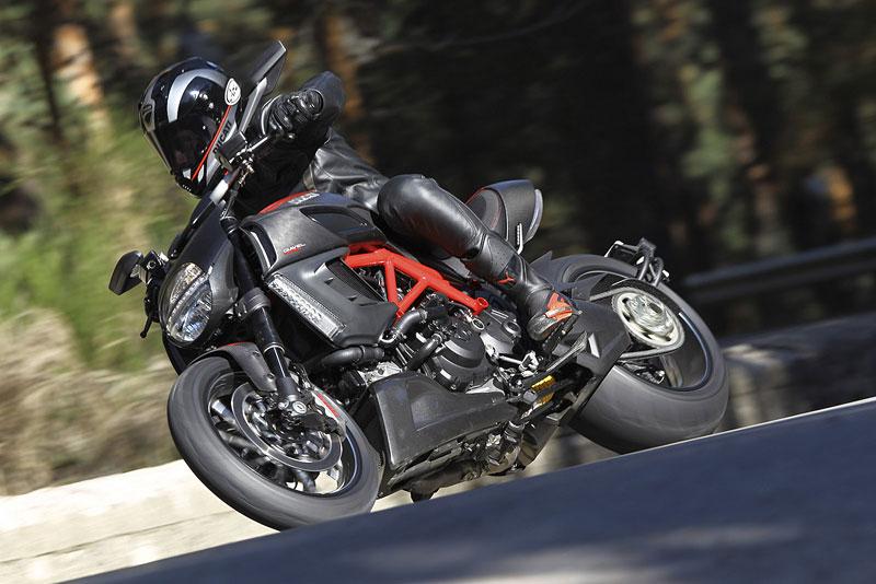 Oficiální představení Ducati Diavel: - fotka 61