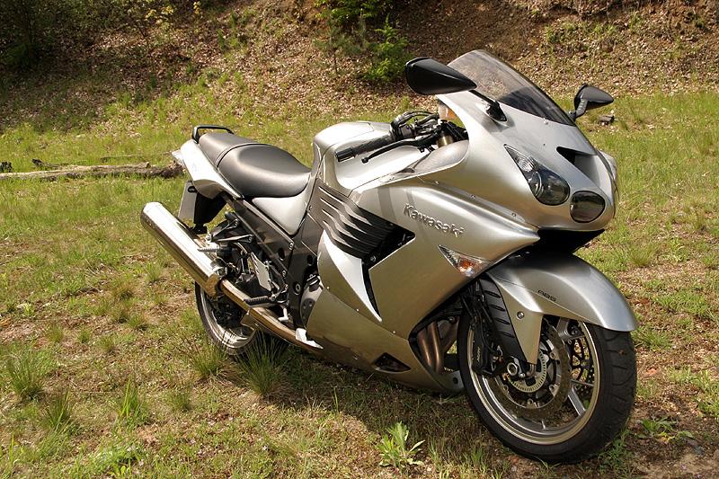 Test - Kawasaki ZZR1400: božský hypertourer: - fotka 6