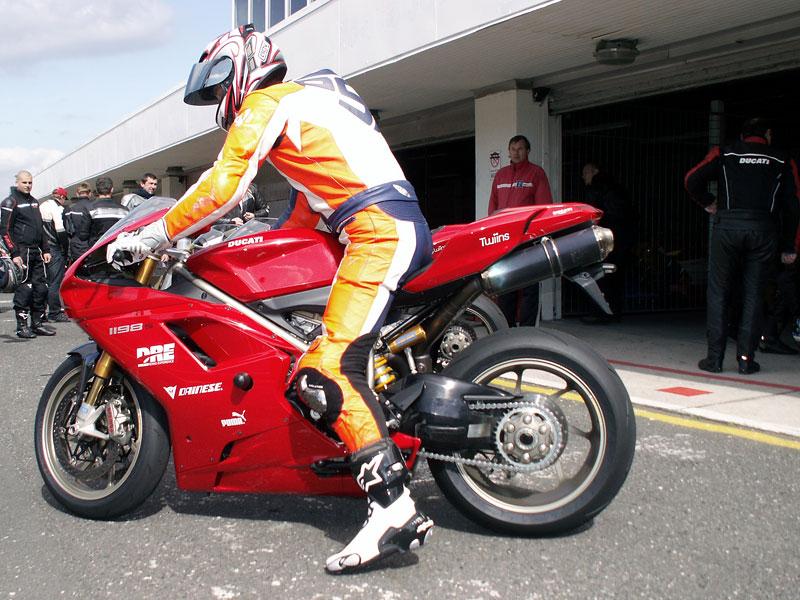 Ducati den - Autodrom Most 2009: - fotka 20