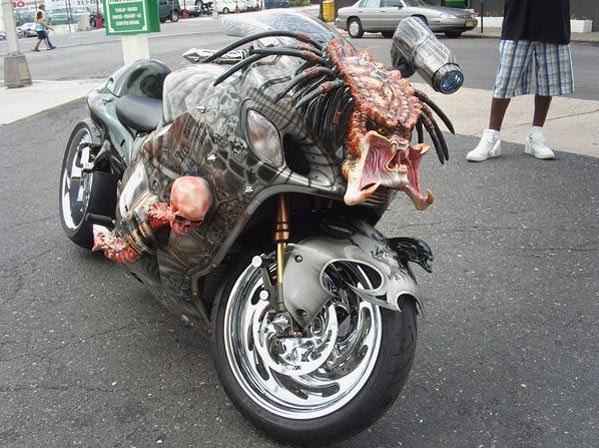 Dvoukolový Predátor: maximálně děsivá motorka!: - fotka 1