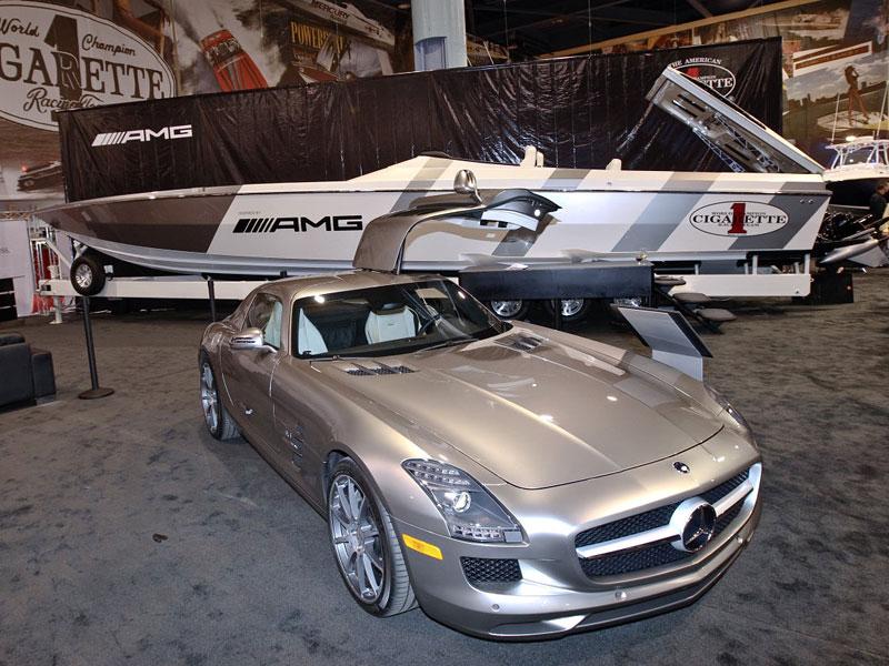 Mercedes-Benz SLS AMG inspirací pro rychlý motorový člun: - fotka 2