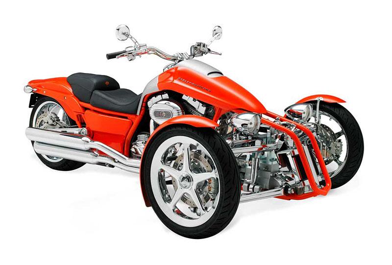 Harley-Davidson Penster: na třech kolech v náklonu: - fotka 1