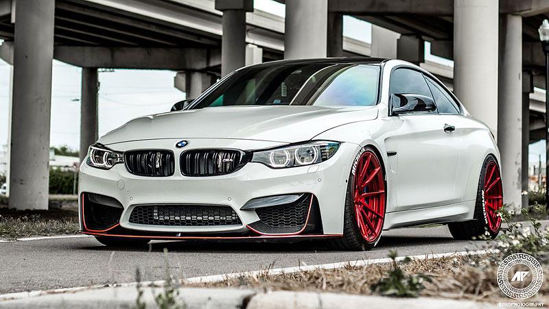 BMW M4 Coupé: Sněhobílý dravec s extrémním výkonem: - fotka 4