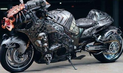 Dvoukolový Predátor: maximálně děsivá motorka!: - fotka 2