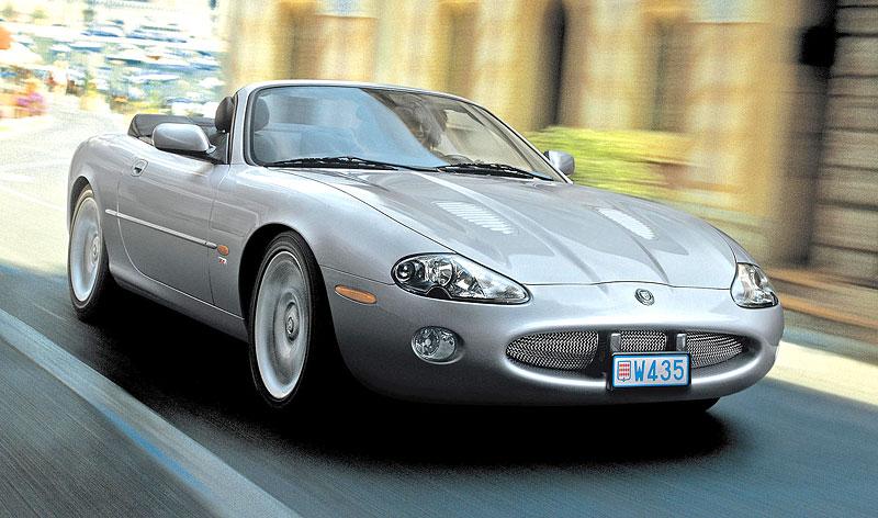 Pod lupou: Jaguar R aneb 25 let rychlých koček: - fotka 35