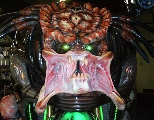 Dvoukolový Predátor: maximálně děsivá motorka!: - fotka 3