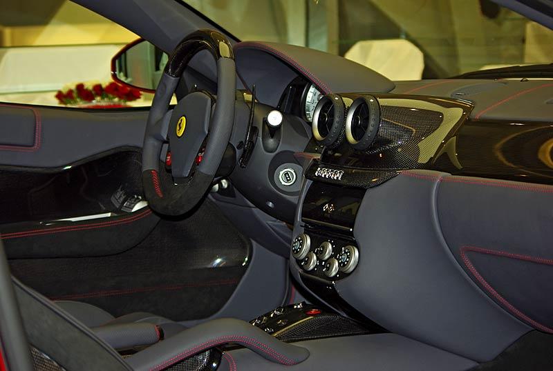 Felipe Massa otevřel v Praze showroom Ferrari: - fotka 23