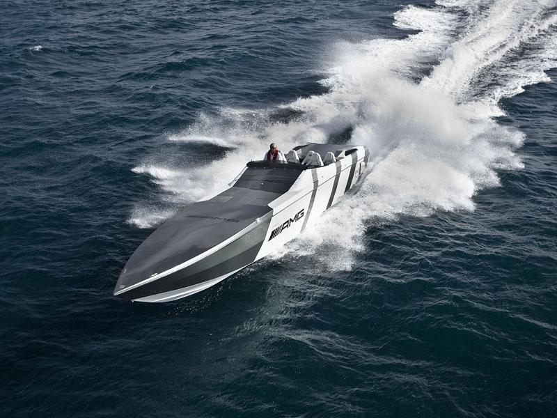 Mercedes-Benz SLS AMG inspirací pro motorový člun Cigarette Racing: - fotka 9