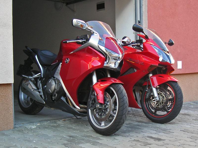 Dueltest - Honda VFR1200F vs. VFR800VTEC (generační srovnání): - fotka 7