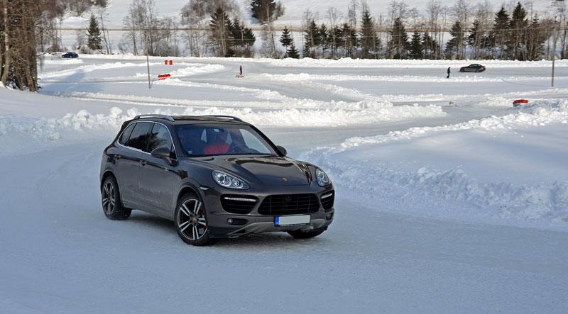 Exelero Cars Snow Driving Adventure 2012: - fotka 3