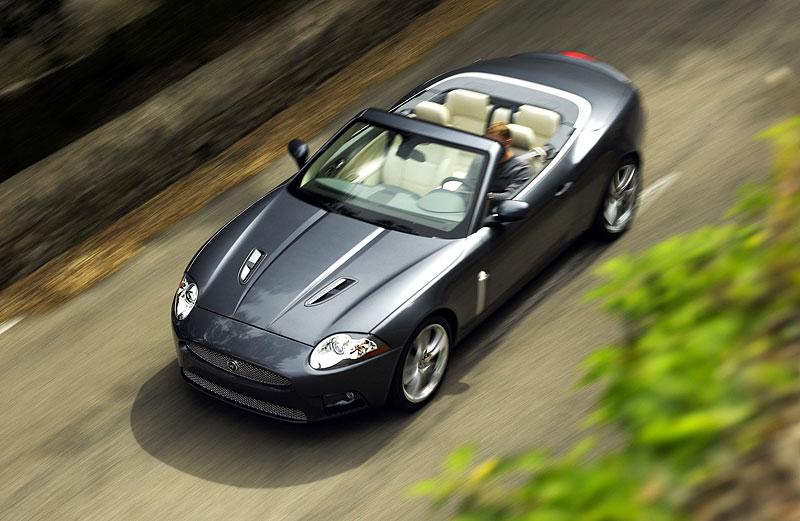 Pod lupou: Jaguar R aneb 25 let rychlých koček: - fotka 36