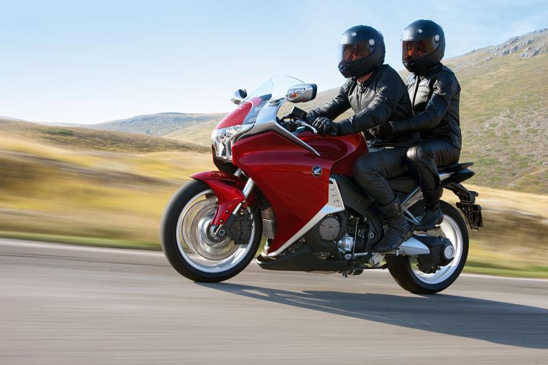 Dueltest - Honda VFR1200F vs. VFR800VTEC (generační srovnání): - fotka 38