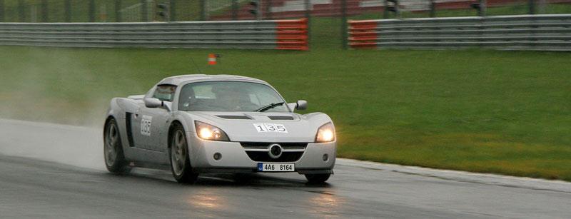 Přijďte na největší setkání sportovních aut u nás: - fotka 23