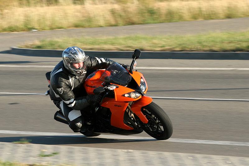 Test - Kawasaki ZX-10R Ninja: král mezi supersporty: - fotka 6