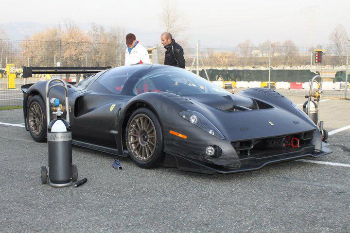 Ferrari P4/5 Competizione: první úspěšné testy na Nürburgringu: - fotka 31