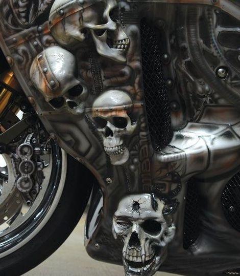 Dvoukolový Predátor: maximálně děsivá motorka!: - fotka 5