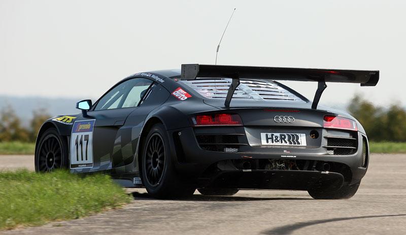 Audi R8 LMS: sedm vozů na 24 hodin Nürburgringu: - fotka 24