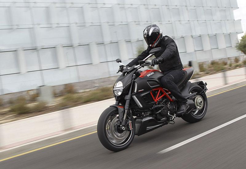 Oficiální představení Ducati Diavel: - fotka 15