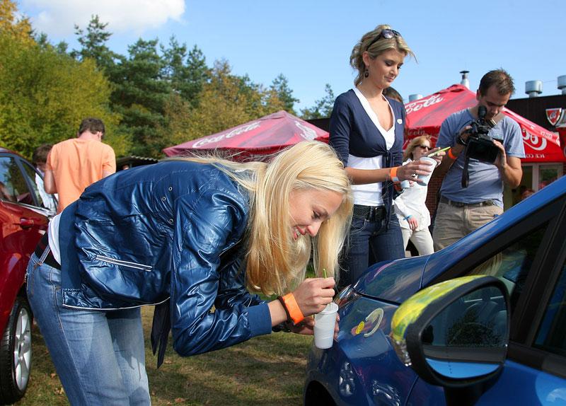 Missky za volantem Fordu Fiesta: - fotka 12