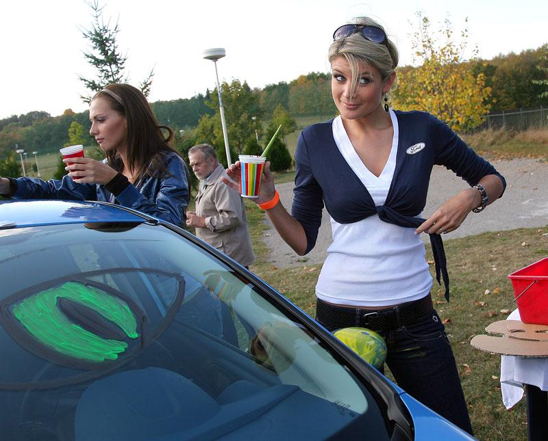 Missky za volantem Fordu Fiesta: - fotka 18