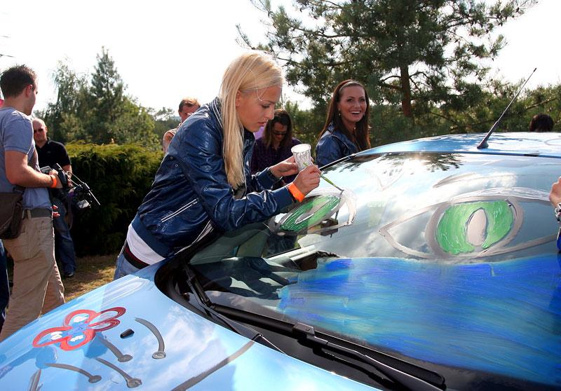 Missky za volantem Fordu Fiesta: - fotka 23