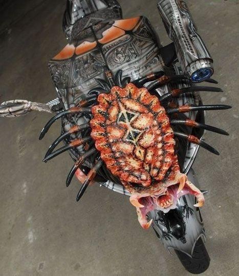 Dvoukolový Predátor: maximálně děsivá motorka!: - fotka 6