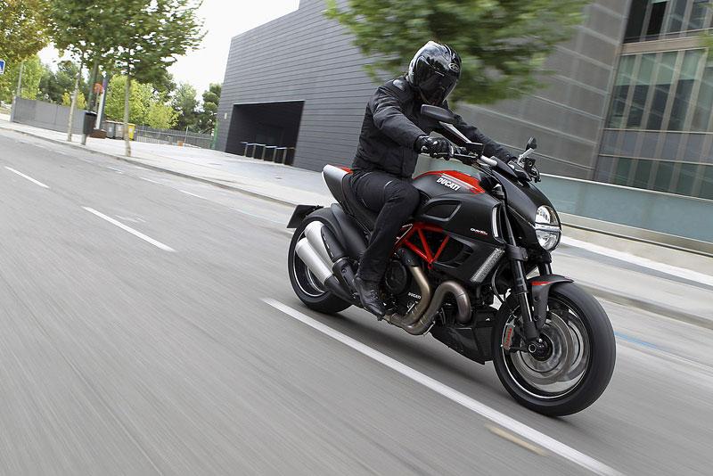 Oficiální představení Ducati Diavel: - fotka 16