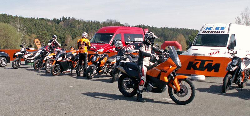 KTM Festival 2010 - oranžový den pod Bezdězem: - fotka 26
