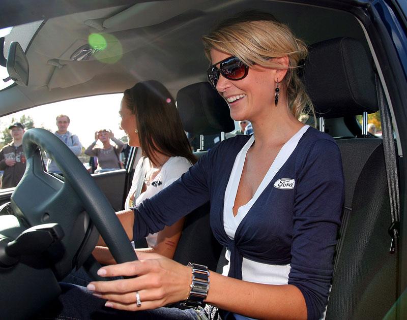 Missky za volantem Fordu Fiesta: - fotka 49